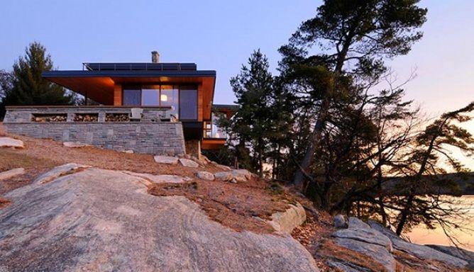 Канадский эко-дом на скале 1