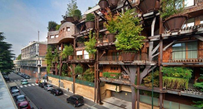 Итальянский жилой дом в деревьях 1