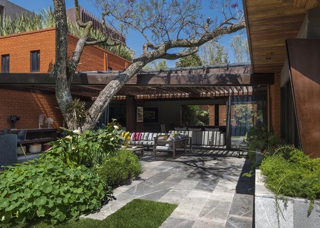 Экологичная перестройка дома в Мексике 1